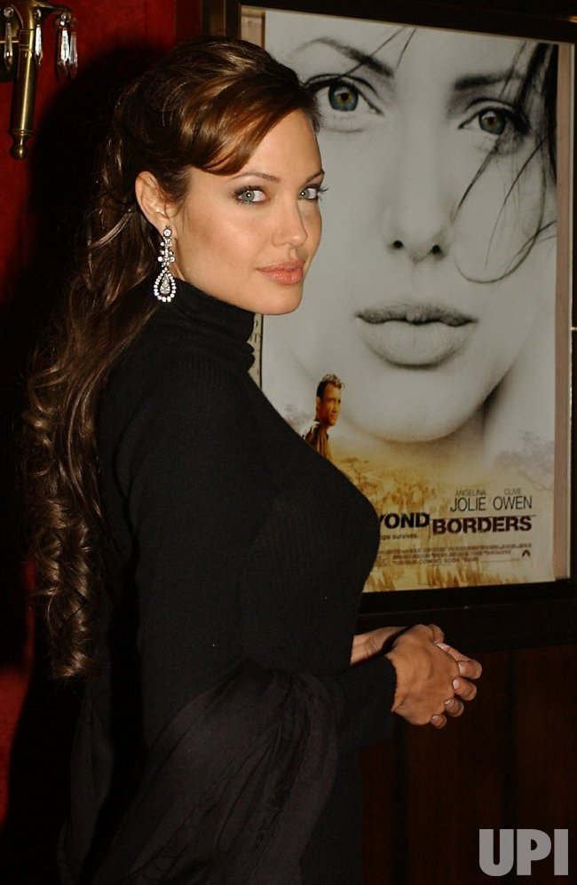 Angelina Jolie Film Premiere Beyond Borders Upicom