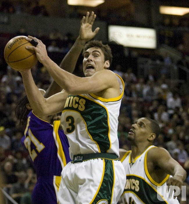 L.A. Lakers vs Seattle SuperSonics