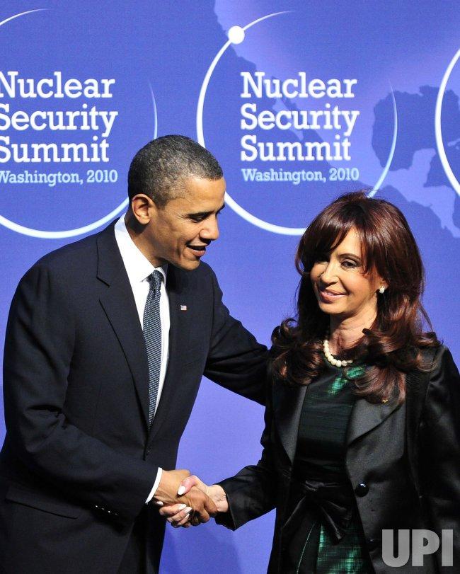 Obama welcomes President Cristina Fernández de Kirchner of Argentina