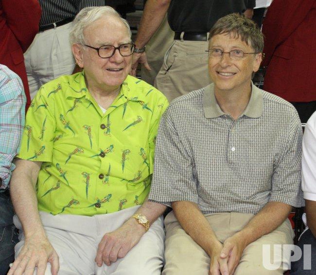 Warren Buffet and Bill Gates Attend USA Olympic Basketball ...