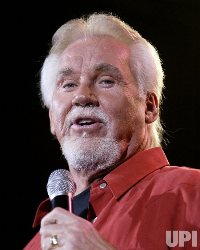 KENNY ROGERS IN CONCERT