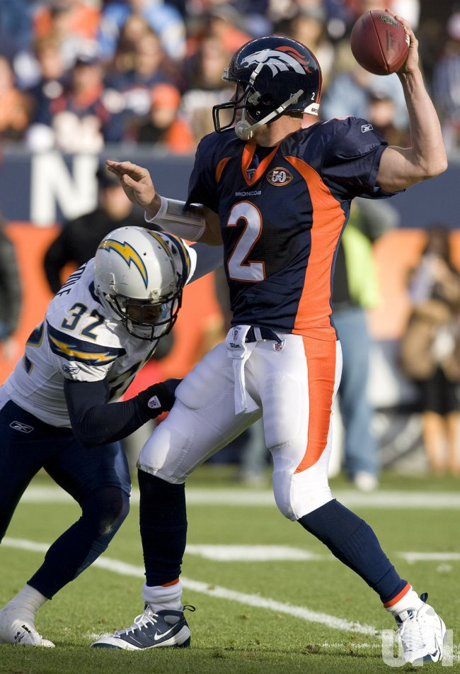 Chargers Weddle Pressures Broncos QB Simms in Denver