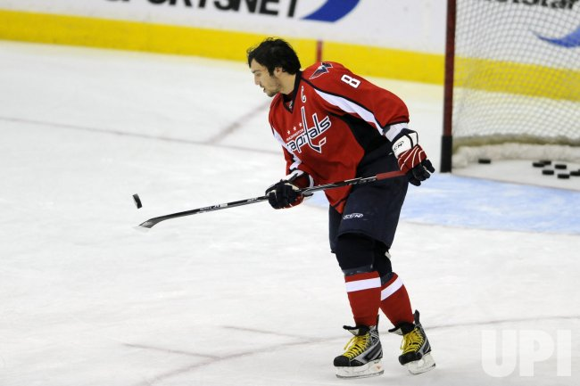 Alex Ovechkin warms up in Washington, DC