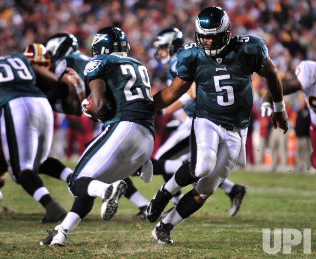 Eagles' Donovan McNabb hands off to LeSean McCoy Washington