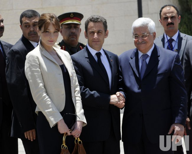 French President Nicolas Sarkozy and his wife Carla Bruni visit Bethlehem