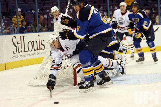 EDMONTON OILERS VS ST. LOUIS BLUES