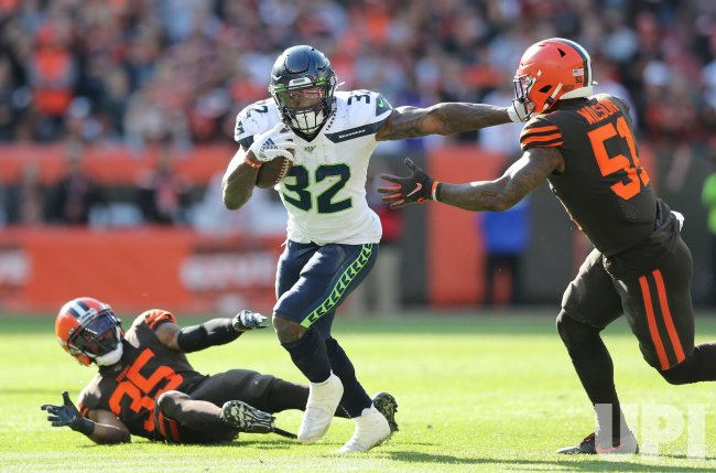 Seahawks Carson runs through Browns