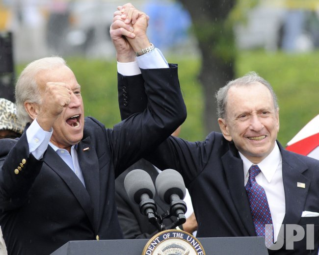 Vice President Joe Biden joins Sen. Arlen Specter, D-PA for Labor Day Parade