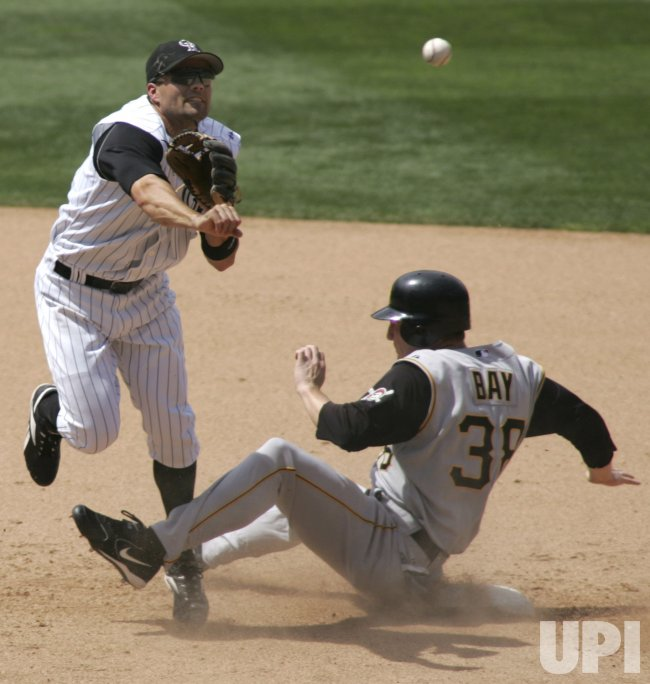 MLB PITTSBURGH PIRATES VS COLORADO ROCKIES