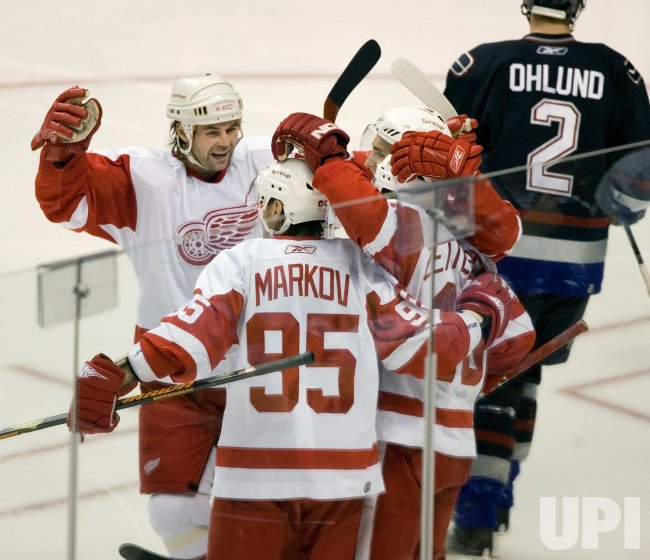 DETROIT RED WINGS VS VANCOUVER CANUCKS