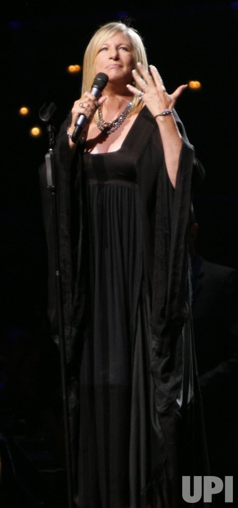 BARBRA STREISAND IN CONCERT IN PARIS
