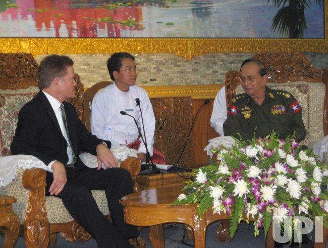 Sen. Webb meets with political prisoner Aung San Suu Kyi.