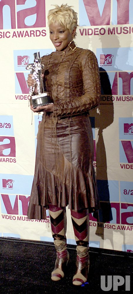 Mary J. Blige at the 2002 MTV Video Music Awards