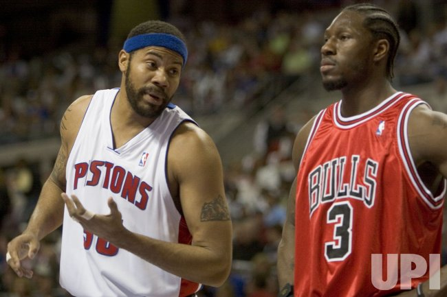 CHICAGO BULLS VS DETROIT PISTONS NBA PLAYOFFS SECOND ROUND GAME 2