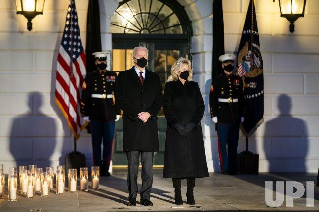 President Biden holds moment of silence for 500,000 Covid deaths