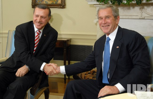 Bush meets with Turkey's PM Recep Tayyip Erdogan in Washington