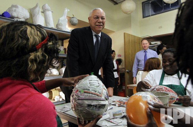 Sec. of State Colin Powell visits school in St. Louis
