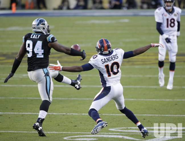 Panthers Ealy intercepts Broncos Manning at Super Bowl 50
