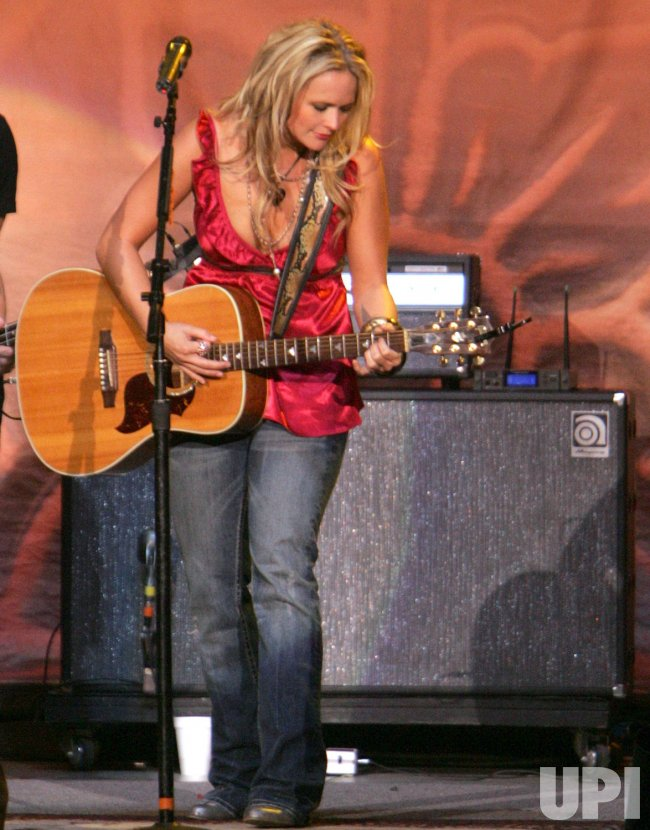 MIRANDA LAMBERT PERFORMS IN CONCERT IN CALIFORNIA