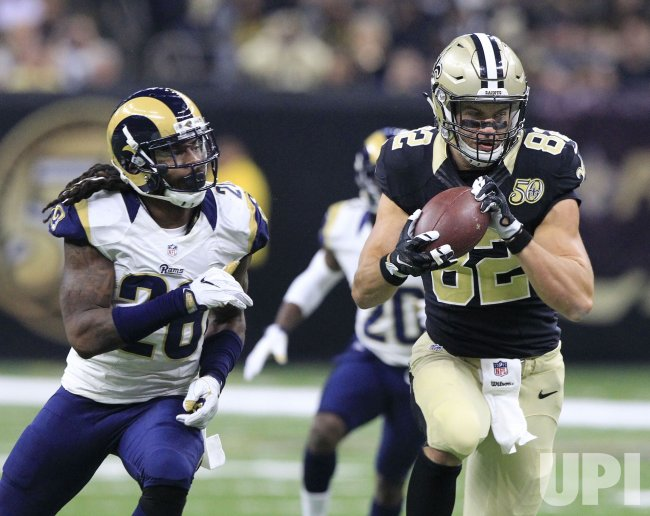 Saints' Coby Fleener takes Drew Brees pass 31 yards