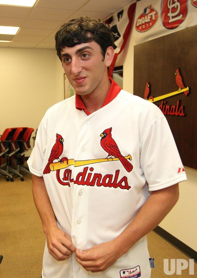 St. Louis Cardinals sign 1st round pick Rob Kaminsky
