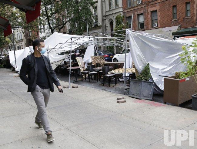 Restaurants Reopen Indoor Dining at 25% Capacity in New York City