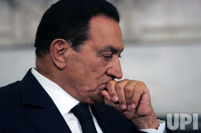 U.S. President Obama meets with Egyptian President Mubarak in Washington