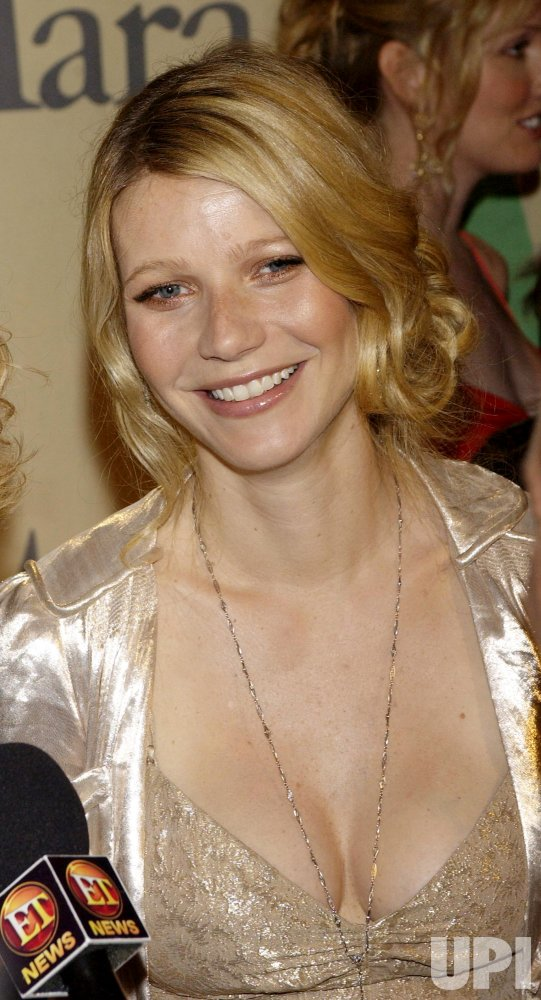 PALTROW FAMILY HONORED AT CRYSTAL & LUCY AWARDS