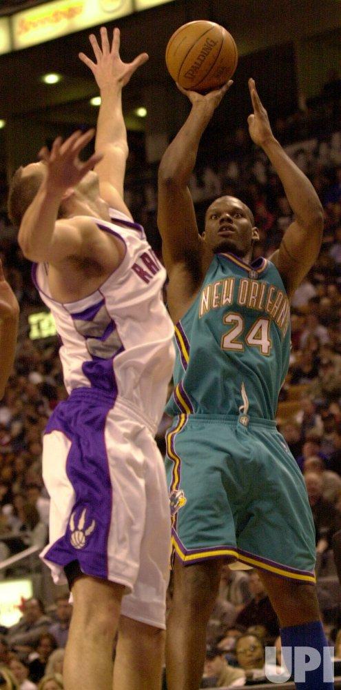 Toronto Raptors vs New Orleans Hornets NBA game