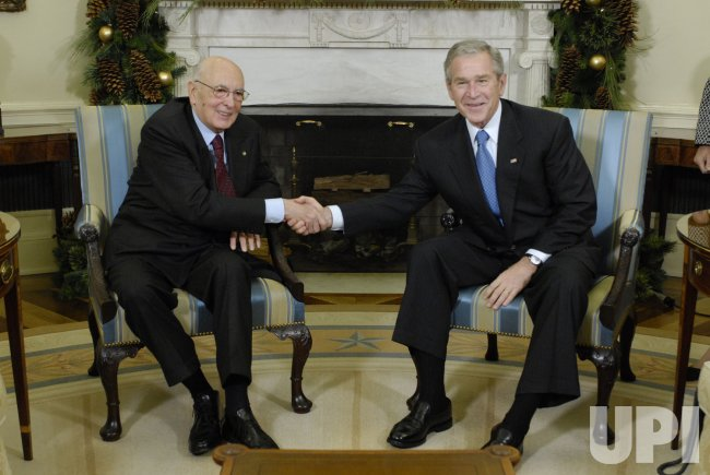 President Bush meets with Italian President Giorgio Napolitano in Washington