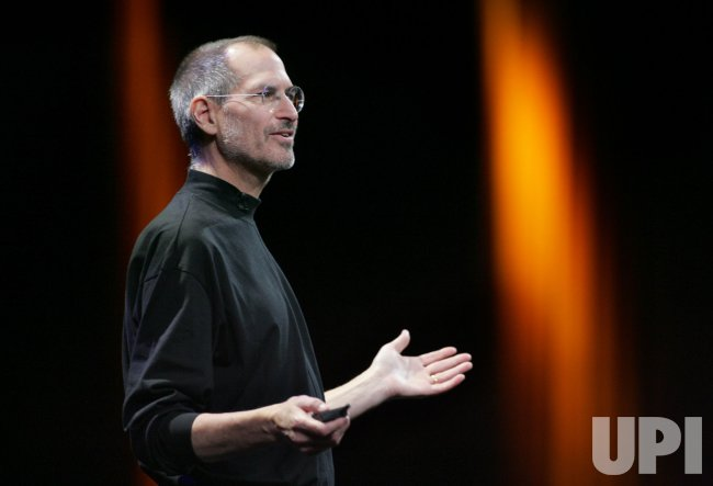 Steve Jobs delivers keynote address at Macworld in San Francisco