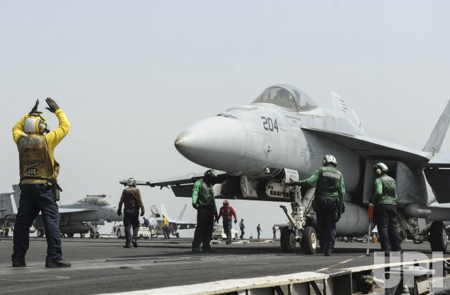 Aircraft Carrier Nimitz Moves into Red Sea