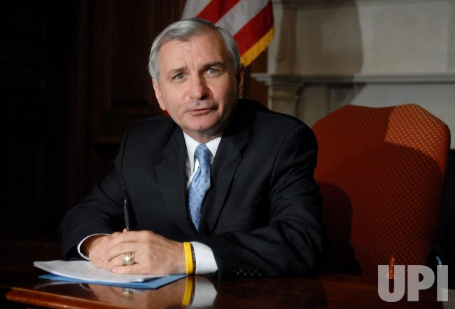 SEN. REED PREPARES FOR DEMOCRATS RESPONSE TO BUSH IN WASHINGTON