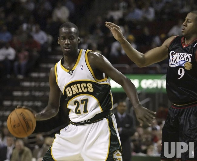 PHILADELPHIA 76ERS VS SEATTLE SUPERSONICS