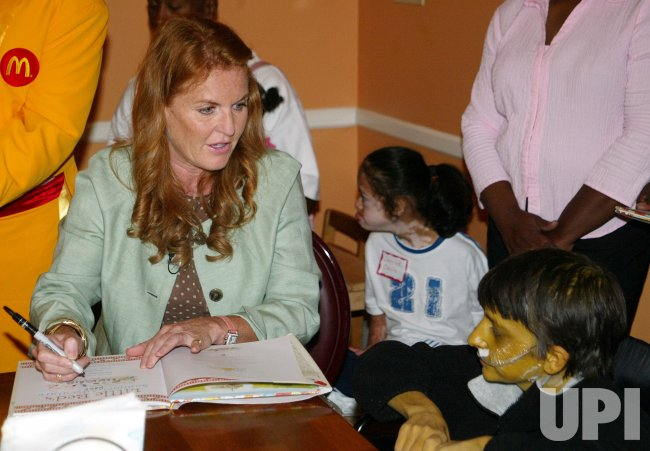 SARAH FERGUSON, DUCHESS OF YORK, VISITS THE RONALD MCDONALD HOUSE IN NEW ORLEANS