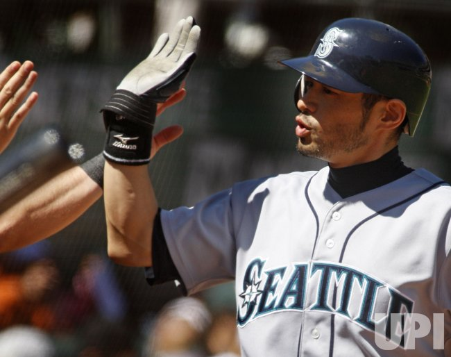 Ichiro Suzuki gets his 2000th hit in MLB in Oakland, California