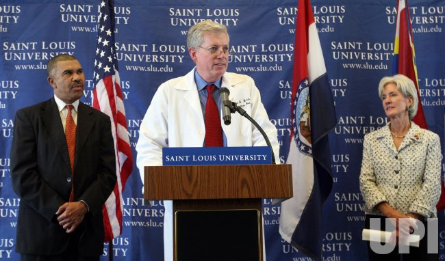 U.S. Health and Human Services Secretary speaks about flu vaccine in St. Louis