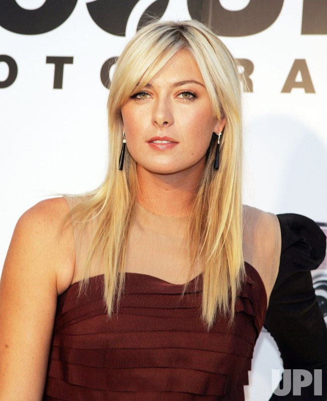 Maria Sharapova promos Canon's PowerShot Diamond Collection in New York