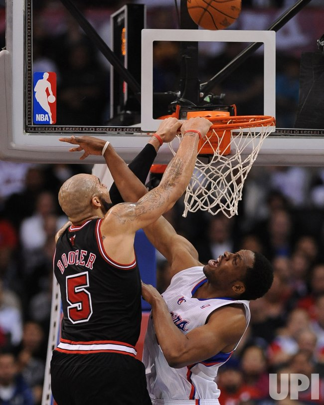 Bulls Carlos Boozer misses dunk against Clippers