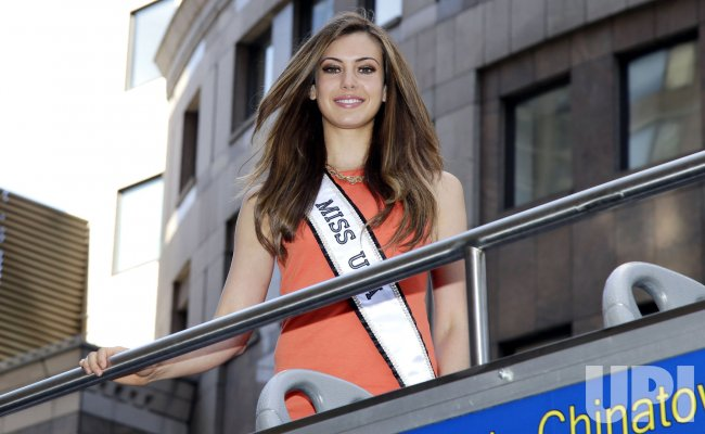 Miss USA 2013 Erin Brady takes a 'Ride Of Fame' in New York