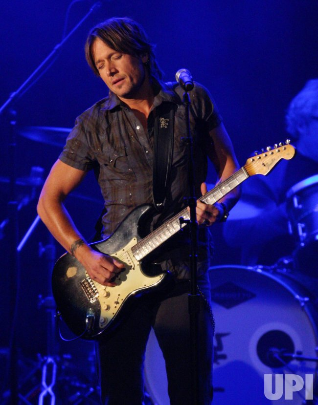 Keith Urban performs at the 43rd Annual CMA Awards in Nashville