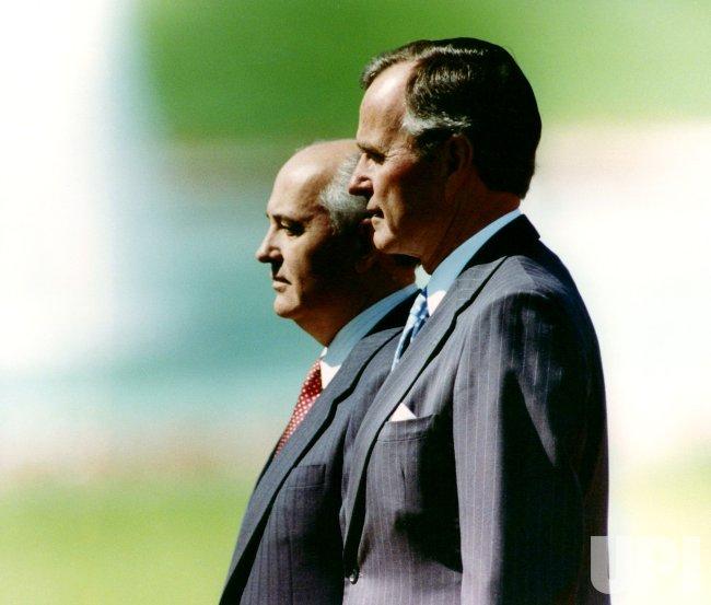 PRESIDENT GEORGE BUSH AND SOVIET LEADER MIKHAIL GORBACHEV