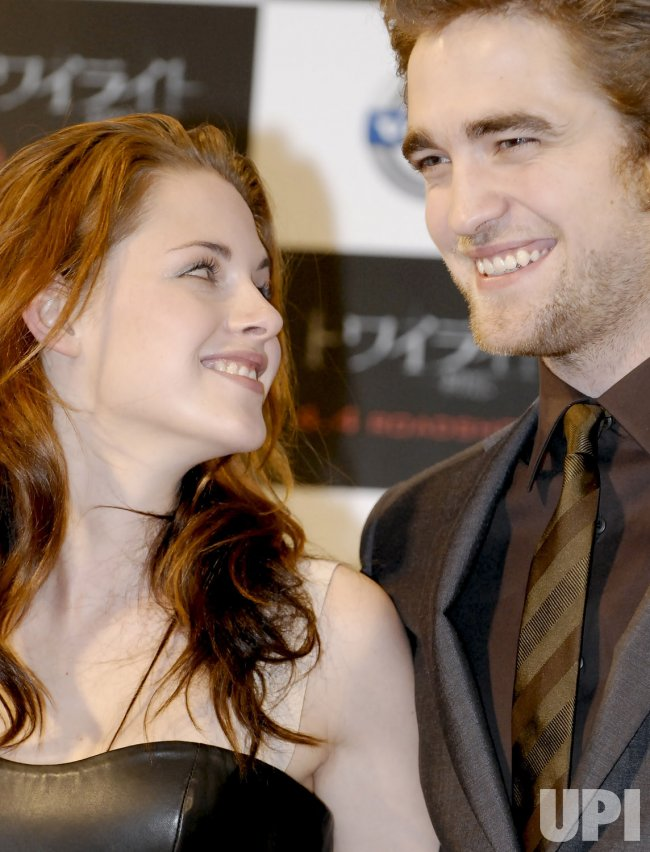 """Twilight"" promoted in Japan"
