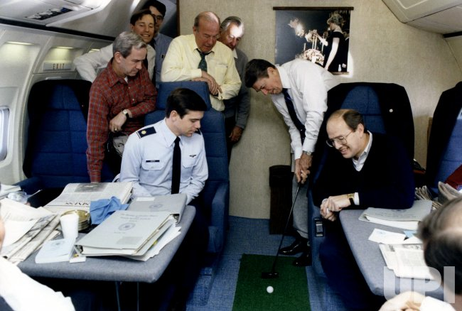 RONALD REAGAN GOLFING ON BOARD AIR FORCE ONE