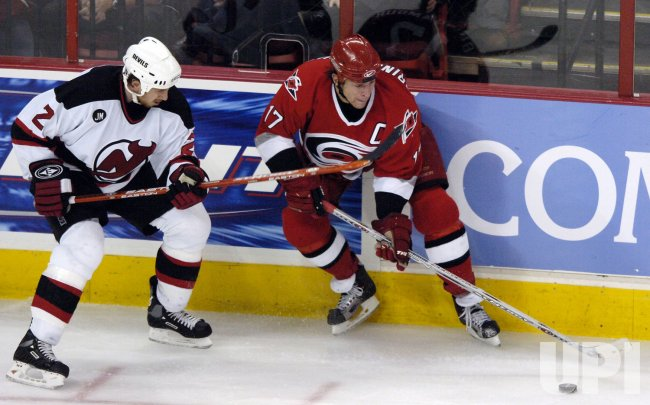 NHL NEW JERSEY DEVILS VS CAROLINA HURRICANES