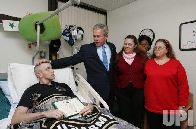 U.S. President Bush visits wounded soldiers at Walter Reed Army Medical Center in Washington