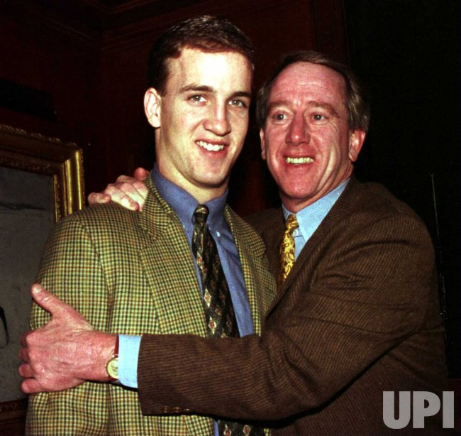 leading 1997 heisman trophy contender