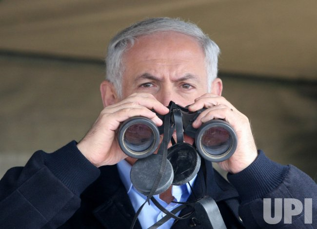 Isralie PM Netanyahu surveys Egypt-Israel border wall construction