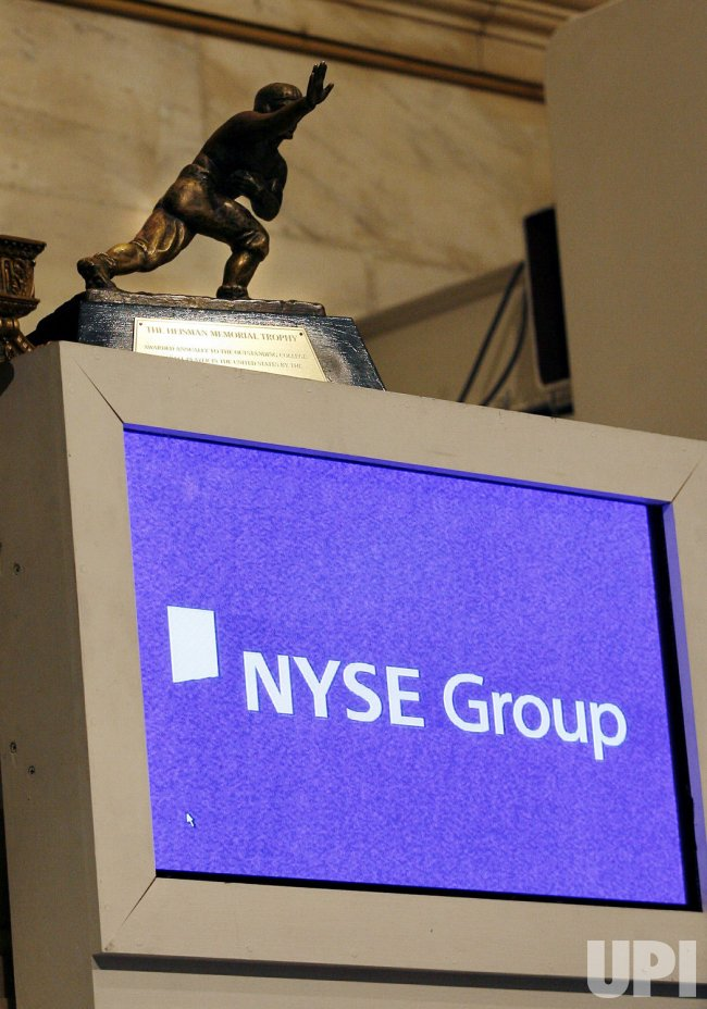 HEISMAN TROPHY WINNER TROY SMITH PRESENT FOR OPENING BELL CEREMONIES ON WALL STREET