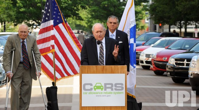 """""""Cash for clunkers"""" program starts in Washington"""